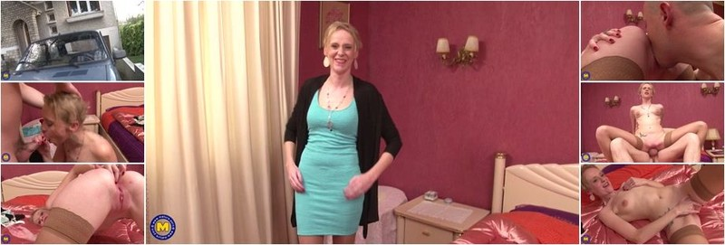 Angie Scorp - Skinny French mom with small tits goes anal (FullHD)
