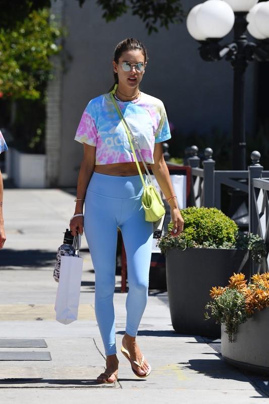 sweet milf Alessandra Ambrosio in tight blue spandex pants