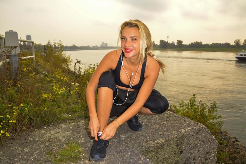 blonde german hottie Evelyn Burdecki in lovely gym uniform