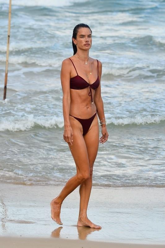 brazilian milf Alessandra Ambrosio in wet maroon bikini