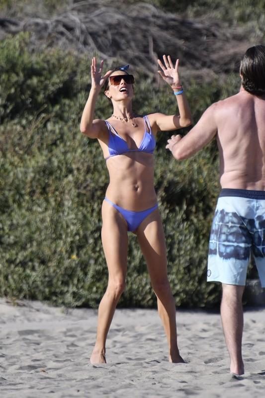 sexy beach volleyball milf Alessandra Ambrosio in blue bikini