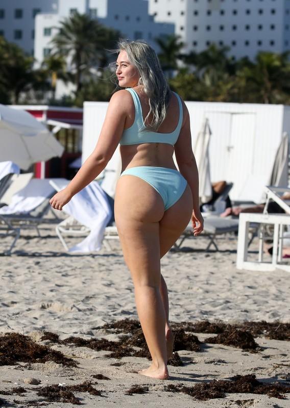 british milf Iskra Lawrence in bikini & yogashorts