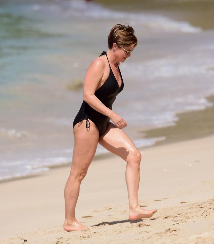 handsome uk milf Emma Forbes in wet black 1 piece swimsuit