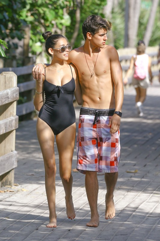 gorgeous chick Madison Beer in black 1 piece swimsuit