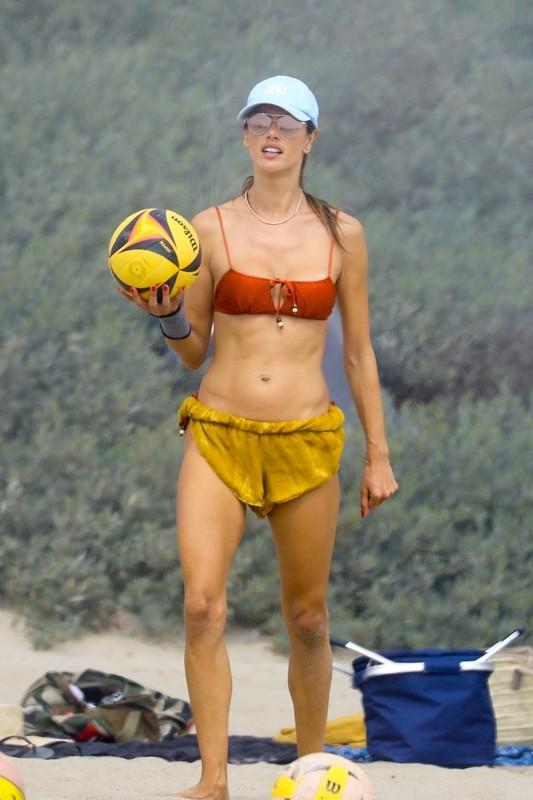 beach volleyball babe Alessandra Ambrosio in sexy bikini & shorts