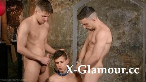 Amateurs - Doggy Alec Loob Trained By Two Brutal Xl Macho Fuckers [HD/720p]