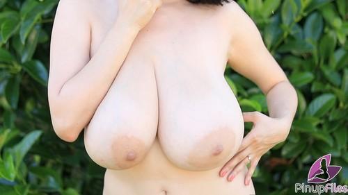 Pinupfiles.com- Luna Amor - Marooned 4 - Glorious
