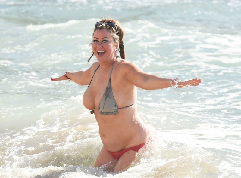 cheerful milf Lisa Appleton in wet sexy bathing suit
