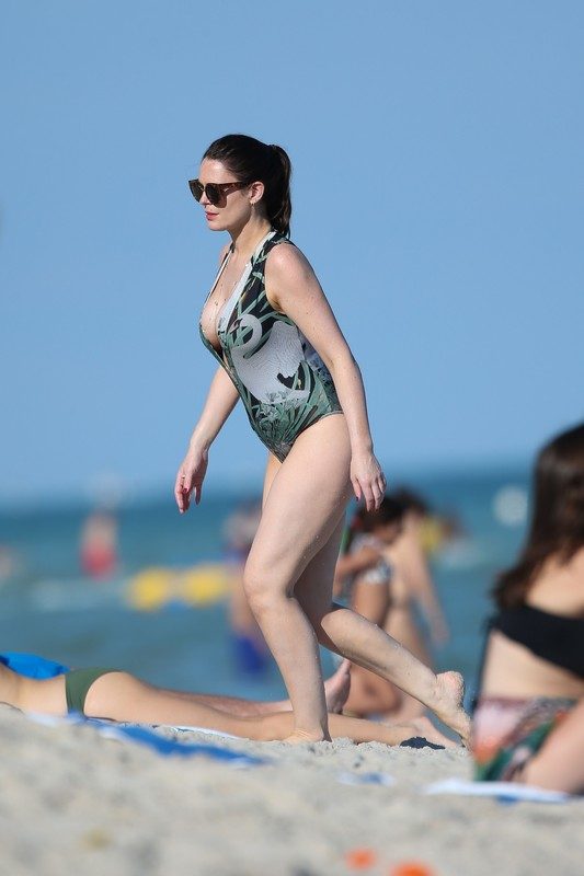 busty milf Susie Amy in wet 1 piece swimsuit