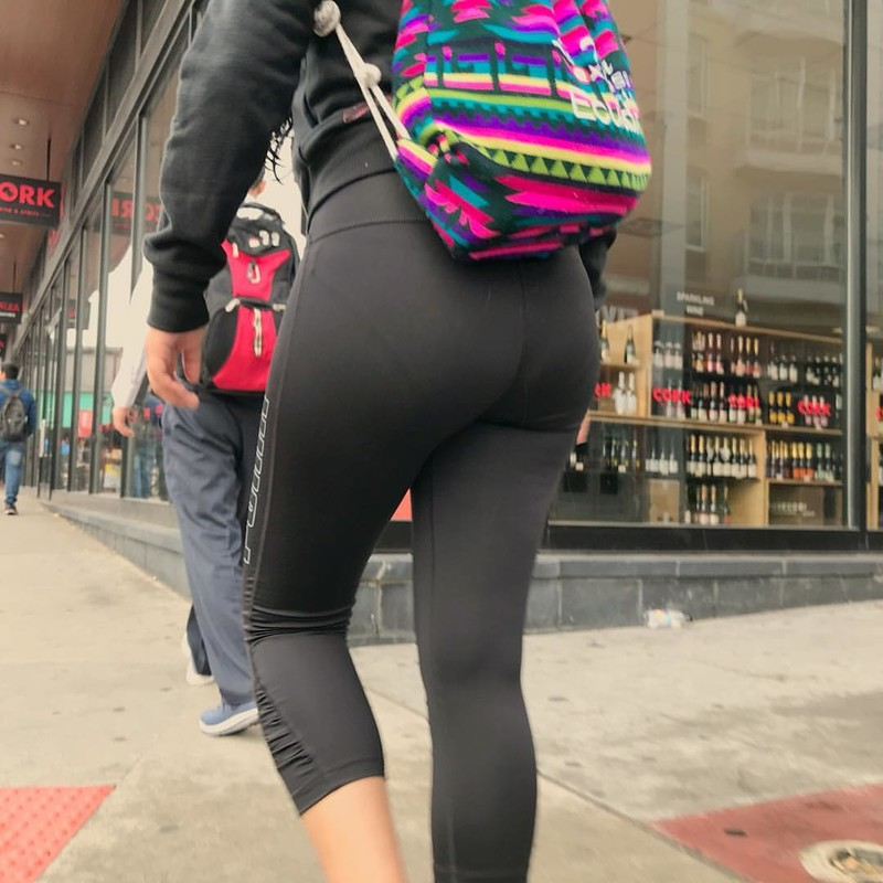 mexican butts in thight clothes