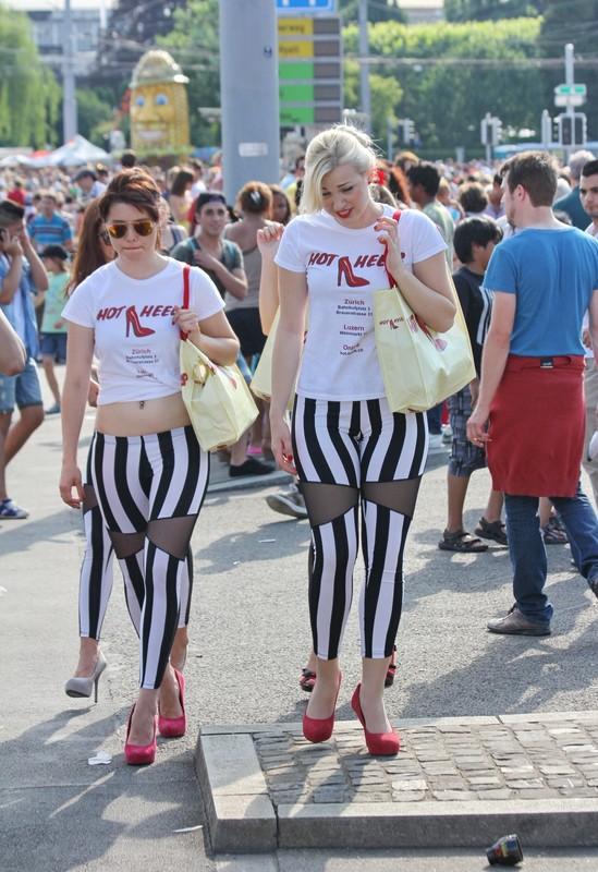 naughty promo girls in candid leggings