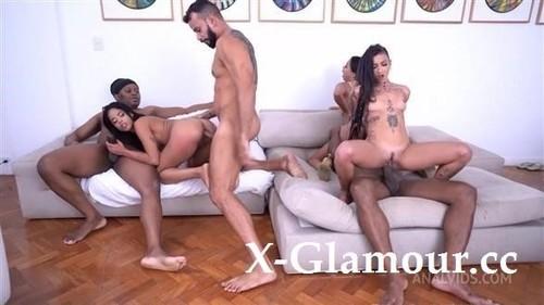 Natasha Rios, Eva Perez, Caroletta Roots - House Of Deviance Reality Sex Show And First Ever Dp Of Eva [HD/720p]