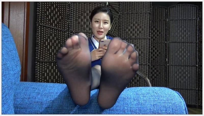 [K&M]丝足视频 甜甜黑丝足搓脚趾[MP4-487MB] 写真视频-第1张