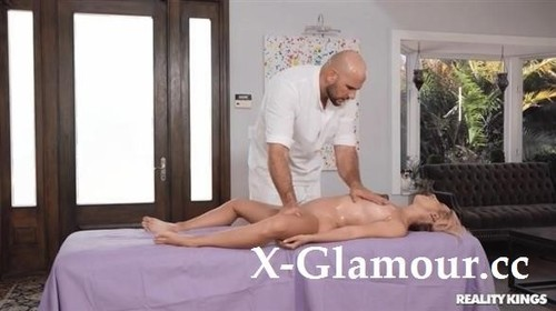 Lilith Moaningstar - Massaging The Milf