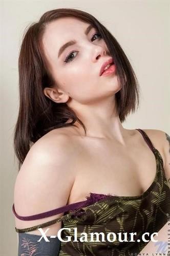 Sonya Lynn - Young Love