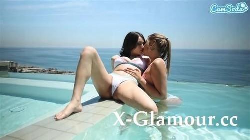 Gizelle Blanco, Liv Wild - Hot Lesbian Action [HD/720p]